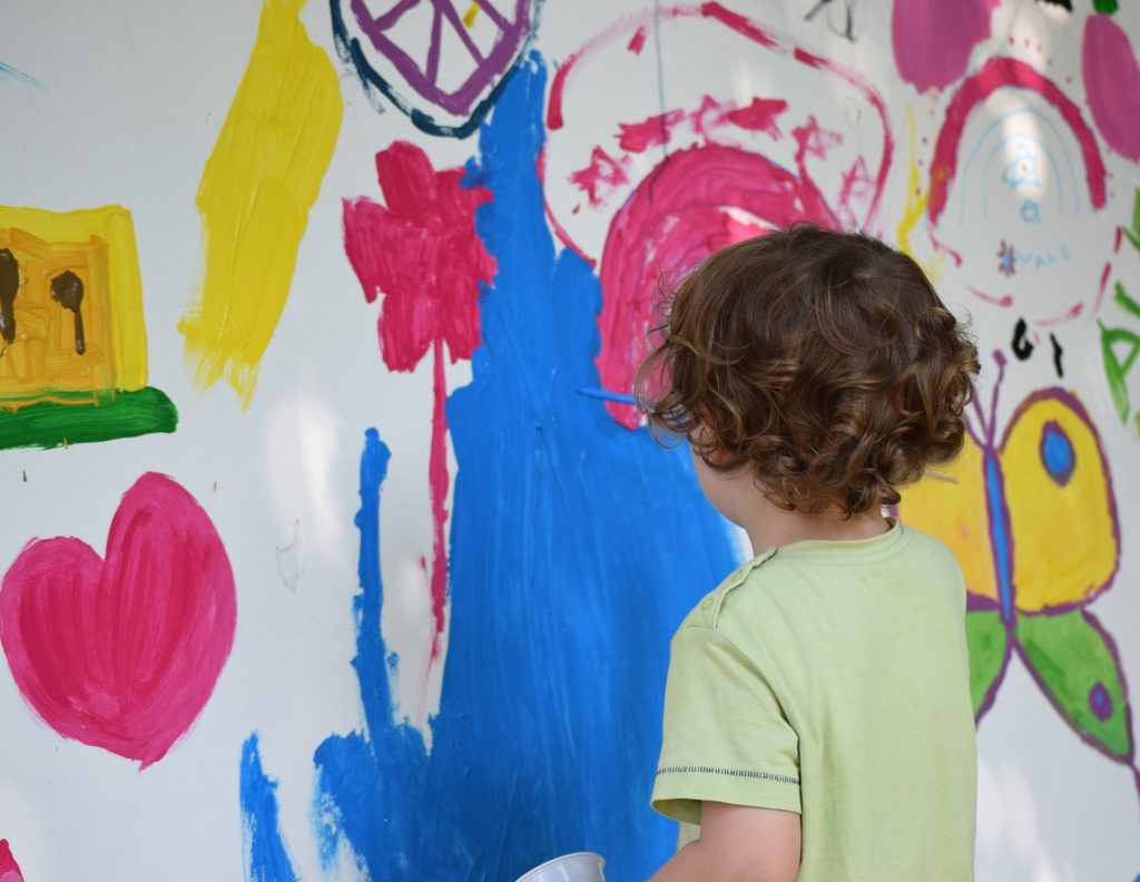 Kids love to paint standing up, just like an artist!